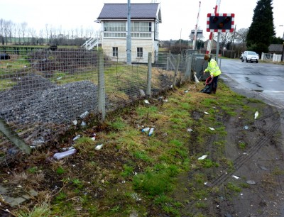 3 Appleby Litter Pick Saturday Ermine Street South Mess near level crossing (2)