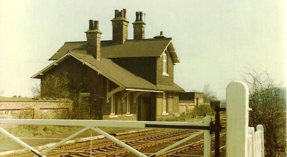Appleby station b&w2