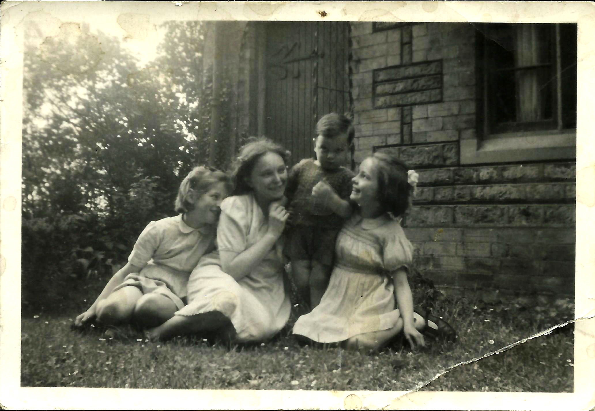 Sisters dorothy frognal
