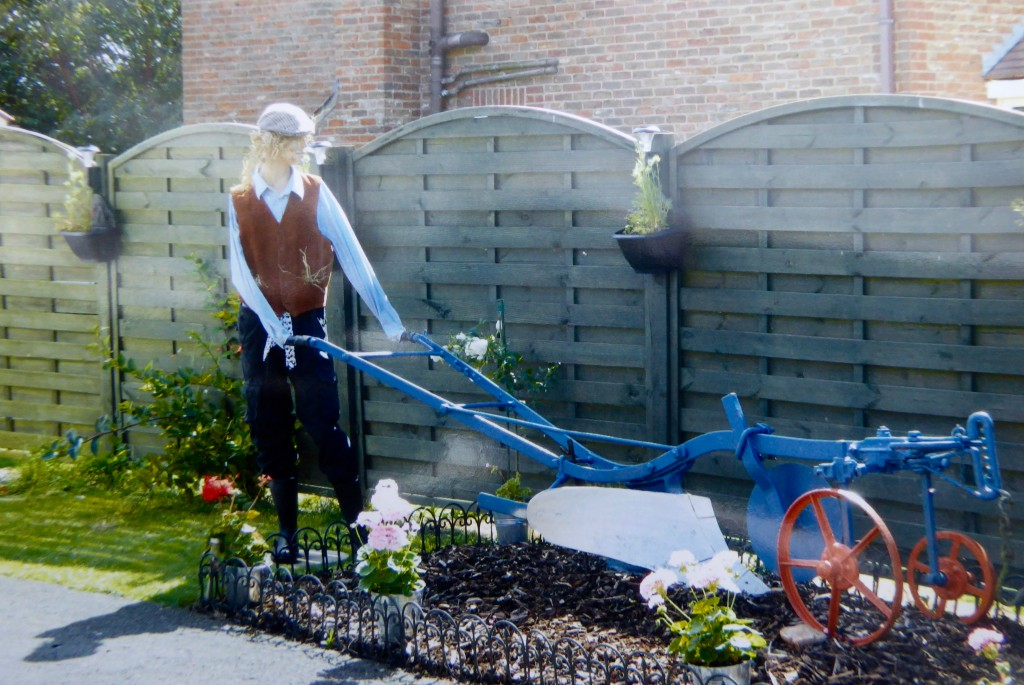 More scarecrows 2016